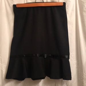 Business casual black pencil skirt